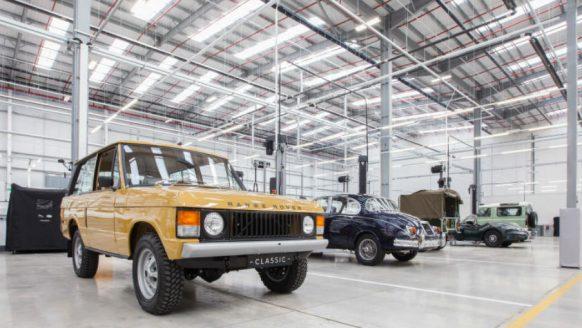 Binnen kijken bij: De Classic Works fabriek van Jaguar en Land Rover