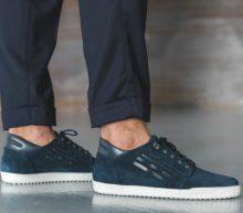 Maak je outfit compleet met deze stijlvolle, cleane sneakers