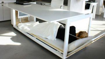 Met dit bureau doe jij een dutje op je werk