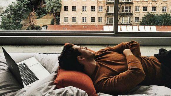Waarom de druk van het dagelijks leven onze emoties doet afzwakken