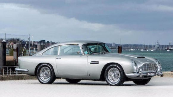 De Aston Martin DB5 van Beatle ster Paul McCartney is te koop
