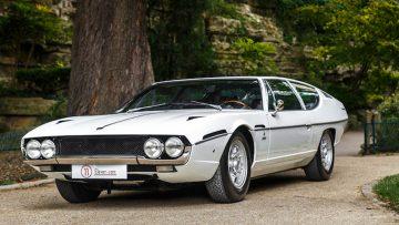 Een Lamborghini als deze zien we niet vaak en hij staat te koop