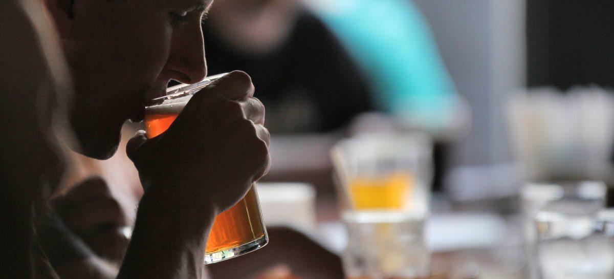 De drie gezelligste plekken om kopstootjes te drinken in Amsterdam