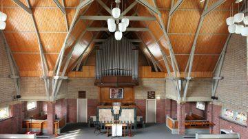 Voor slechts 2.5 ton ben jij de eigenaar van deze kerk in Friesland