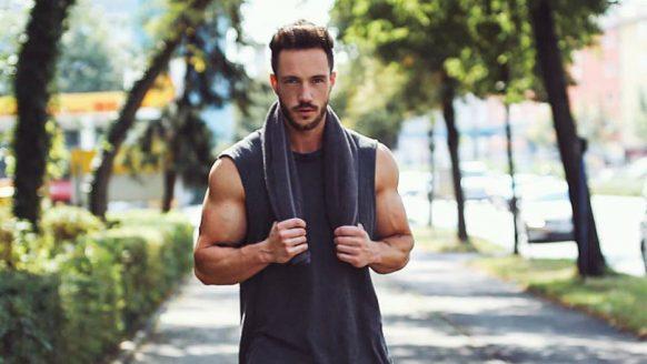 Met deze 20 minuten total body workout maak jij je lichaam zomerklaar