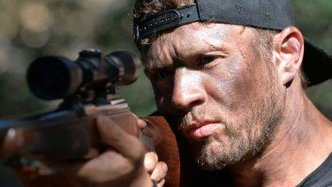 Deze week is eindelijk het derde seizoen van Shooter te zien op Netflix