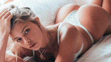De exotische Kristina laat je verlangen naar de zomer