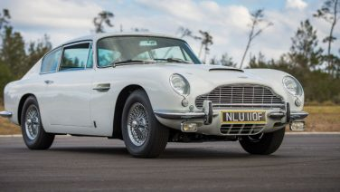 Deze Aston Martin 1967 DB6 is een ode aan James Bond