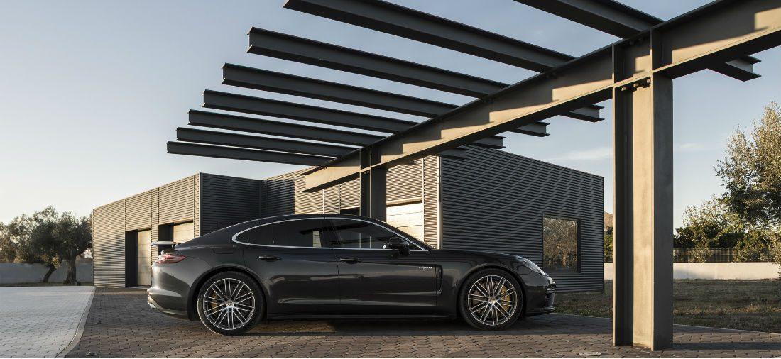 Deze garage is de droom voor elke motor- en autoliefhebber