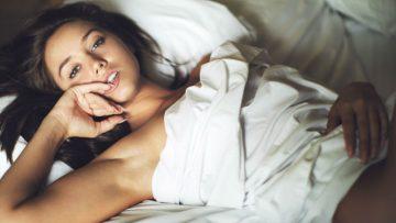 Kalyn zorgt ervoor dat jij nooit meer uit je bed wilt (NSFW)