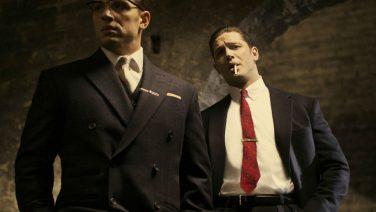 Tom Hardy kruipt in de rol van gangster Al Capone in Fonzo