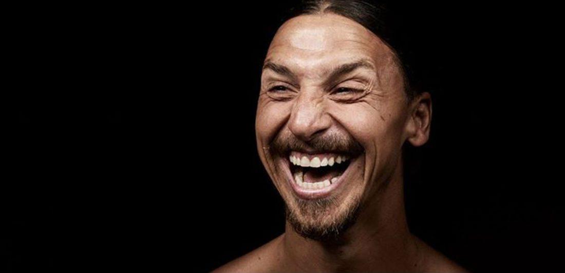 Zlatan Ibrahimovic bevestigt zijn transfer op geniale wijze