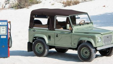 Met deze mintgroene Land Rover trotseer jij elke zandstorm