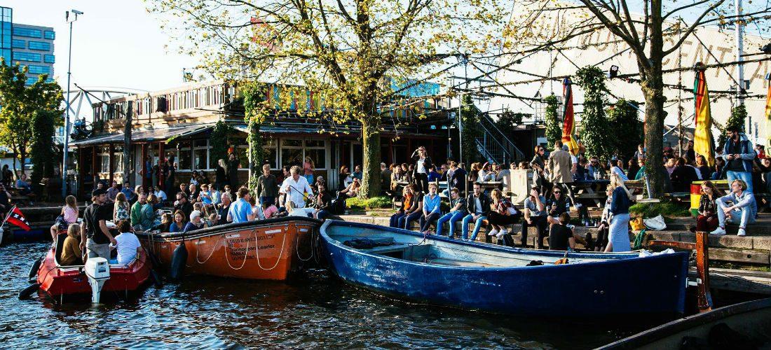 Op deze Amsterdamse terrassen breng jij jouw zonnige dagen door