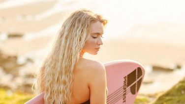 Lucie Rose Donlan is de surfbabe van je dromen