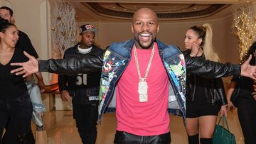 Floyd 'Money' Mayweather showt zijn nieuwe horloge van $18 miljoen