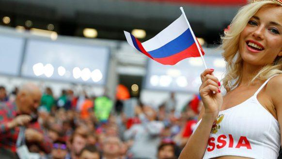Fifa hekelt cameramannen die de mooiste vrouwen van het WK in beeld brengen