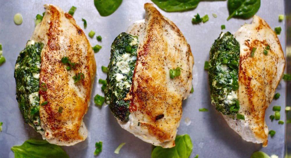 De perfecte sportvoeding: kip en mozzarella proteïnebommetjes uit de oven
