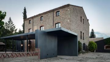 Waanzinnig: bouwval omgetoverd tot stijlvolle woonboerderij