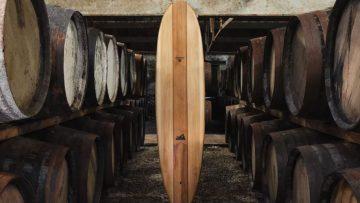 Dit stijlvolle surfboard is gemaakt van Glenmorangie whiskyvaten