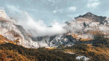 Deze 10 vakantiebestemmingen laten jou de mooiste kant van de herfst zien